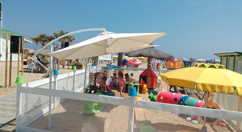 Lamberto spiaggia 80 rimini dog beach in emilia romagna